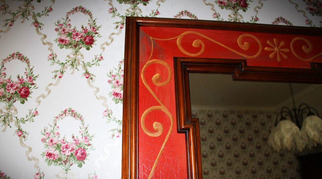 Декор на зеркале под старину
