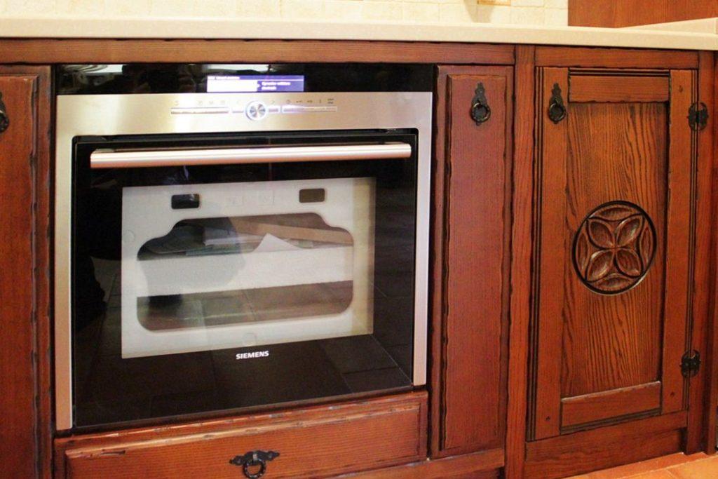 Шкафчик кухни из массива