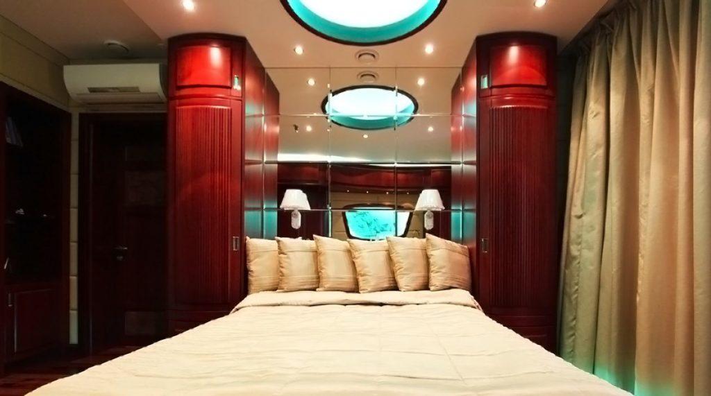 Кровать в виде каюты