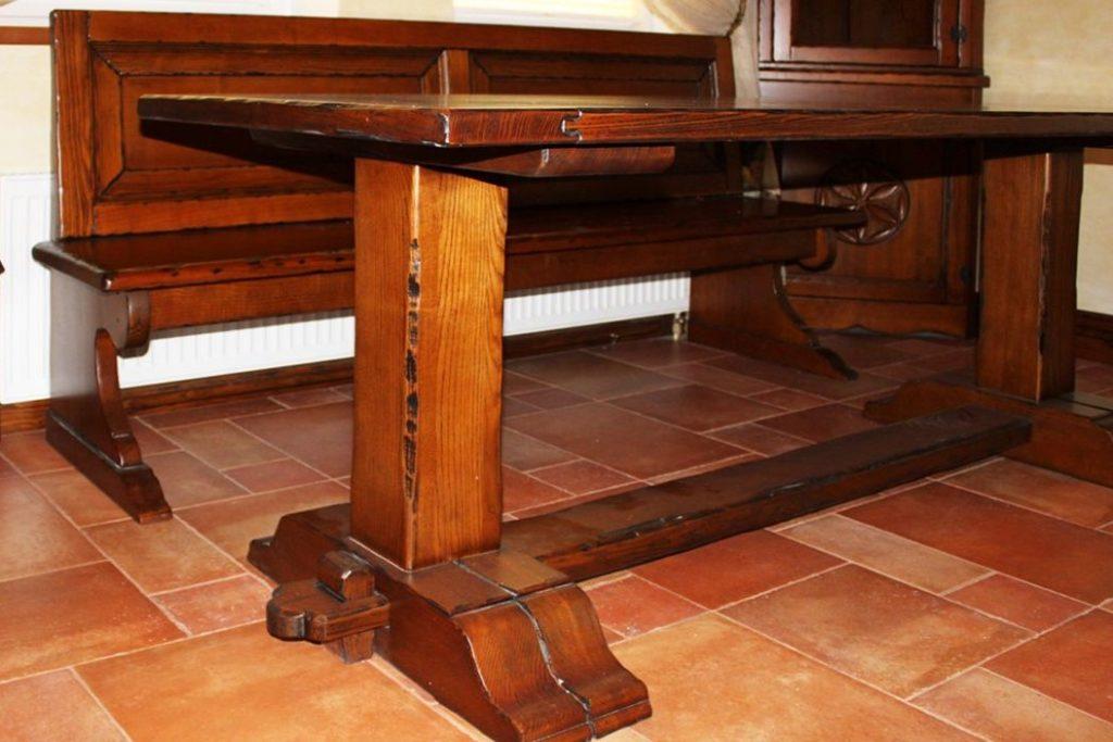 Стол кухни из массива дерева