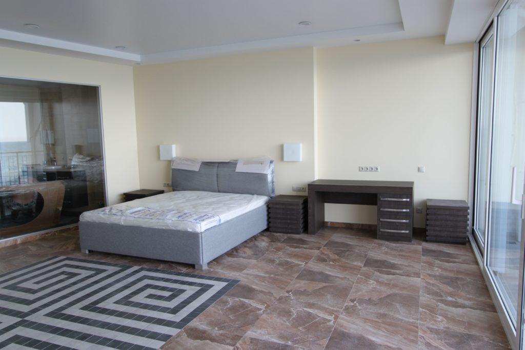 Спальня из массива в стиле минимализм