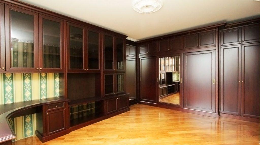 Шкафы для книг и канцелярских принадлежностей