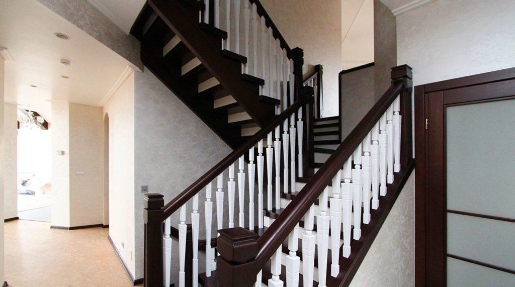 Лестница в стиле американская готика