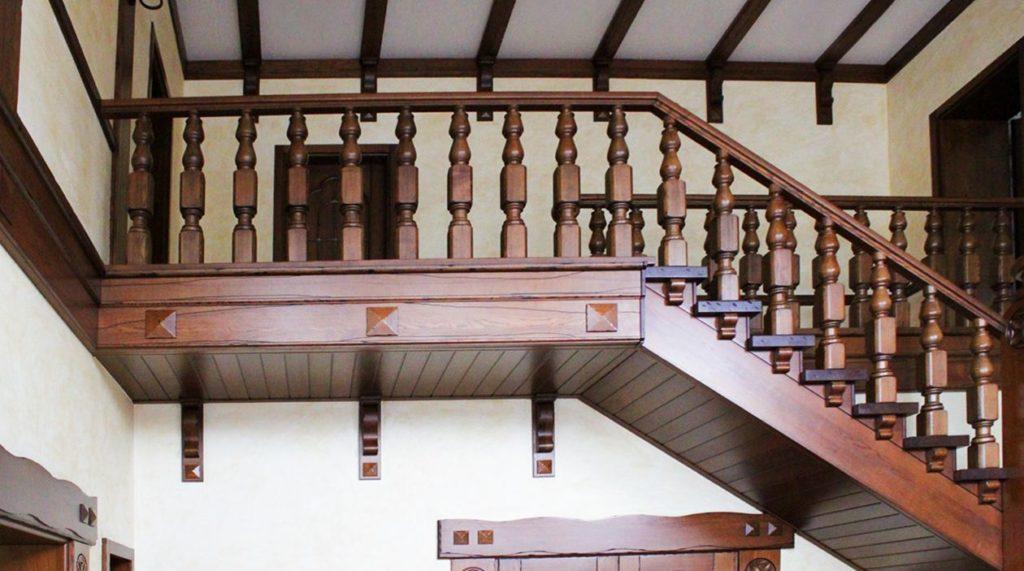Второй этаж и балясины в стиле Прованс