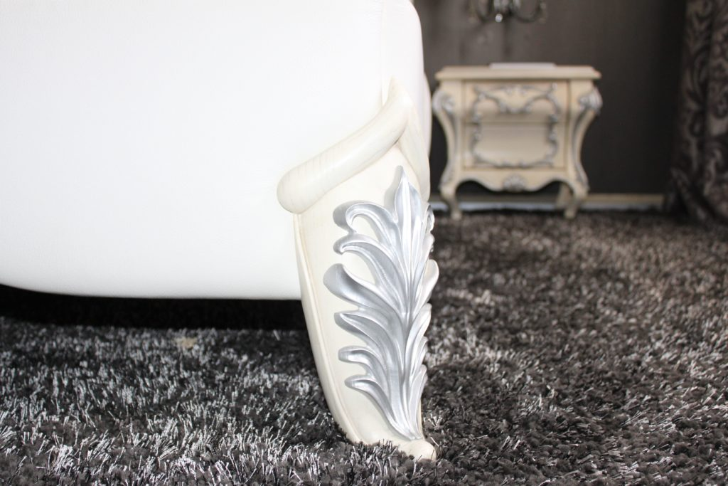 резная ножка кровати
